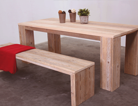 Zelf steigerhouten tafel maken hier vind je jouw Steigerhouten tafel met steigerbuizen zelf maken